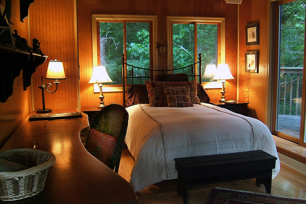 TreeHouseBedroom1-1000px